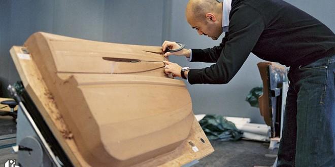 خیلی از عاشقان اتومبیل های بی ام دبلیو خودروهایی را سوار می شوند که نادر فقیه زاده طراحی کرده است