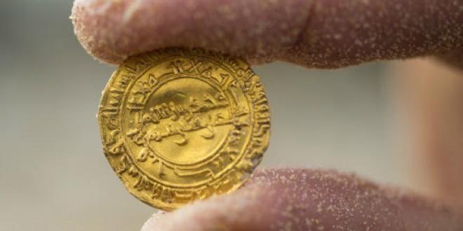 داستان ساختگی درباره نقش امام باقر(ع) در ضرب اولین سکه های اسلامی